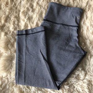 Pants - Lululemon gingham wunder under capris
